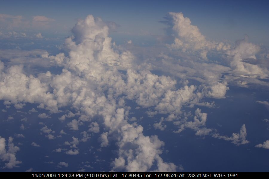 20060414jd02_clouds_taken_from_plane_e_of_nsw_pacific_ocean