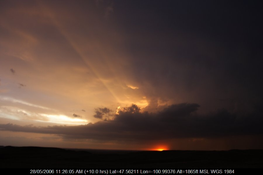 20060527jd34_halo_sundog_crepuscular_rays_bismark_north_dakota_usa