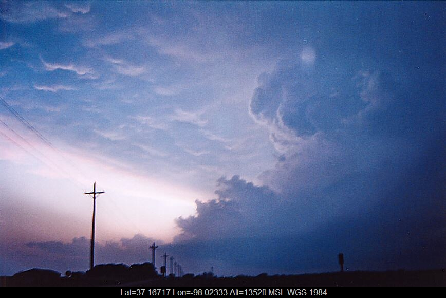 20040512jd33_mammatus_cloud_anthony_kansas_usa