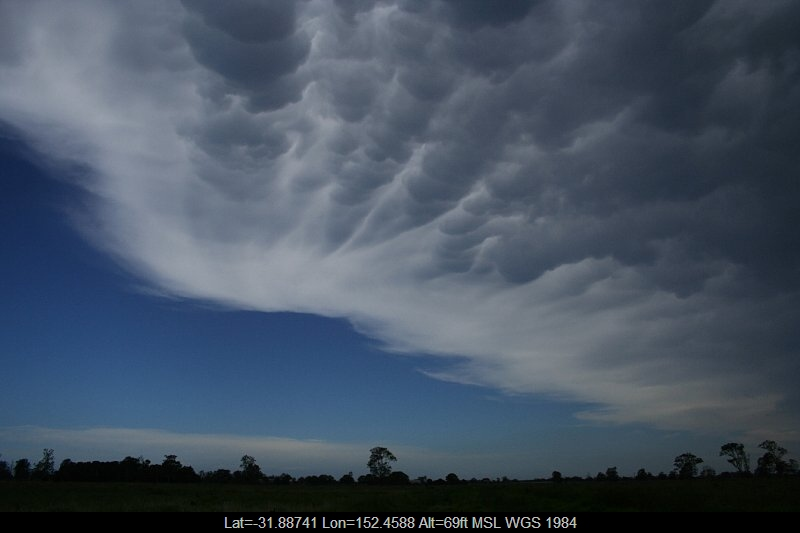 20051217jd16_mammatus_cloud_taree_nsw