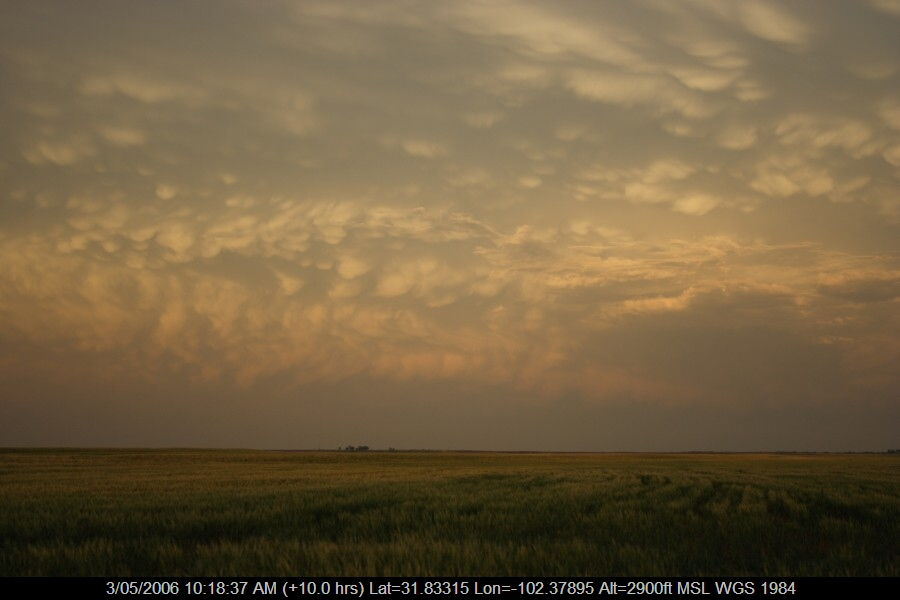 20060502jd06_mammatus_cloud_sw_of_childress_texas_usa