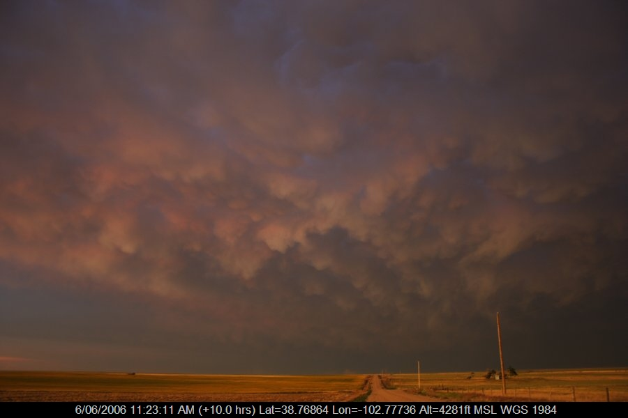 20060605jd63_mammatus_cloud_kit_carson_colorado_usa