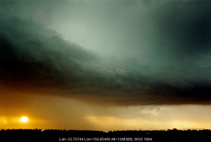 19970323mb12_shelf_cloud_rooty_hill_nsw