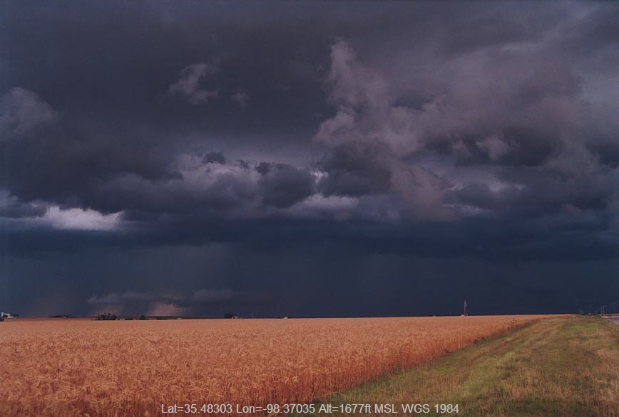 20030610jd05_shelf_cloud_hinton_oklahoma_usa