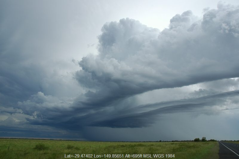 20041227mb092_shelf_cloud_near_moree_nsw