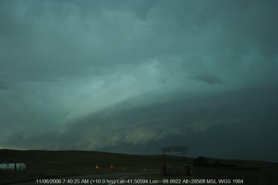 20060610jd73_shelf_cloud_n_of_authur_nebraska_usa