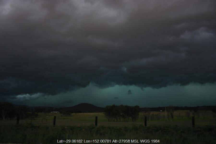 20061127jd45_shelf_cloud_20km_s_of_tenterfield_nsw