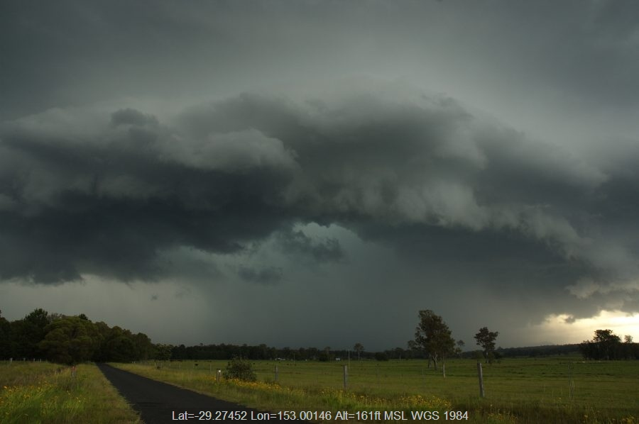 20071204mb42_shelf_cloud_whiporie_nsw
