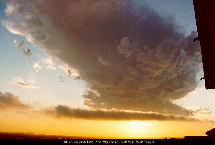 19901011mb01_stratus_cloud_coogee_nsw
