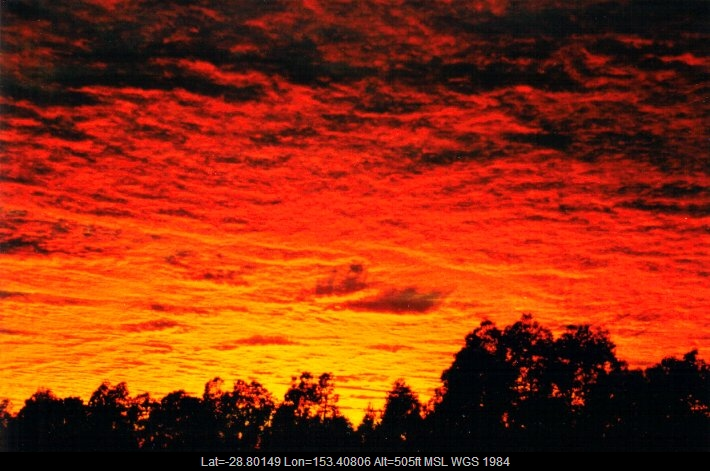 20010324mb02_altocumulus_cloud_mcleans_ridges_nsw