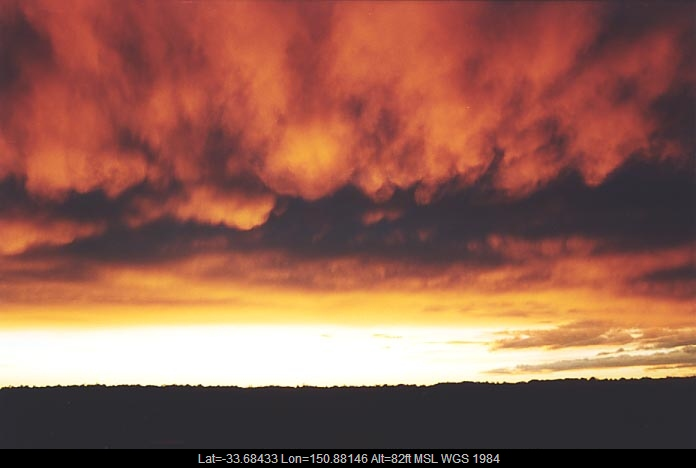 20010621jd04_altostratus_cloud_schofields_nsw