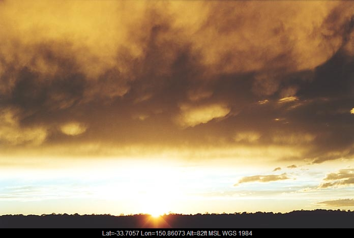 20010621jd06_altostratus_cloud_schofields_nsw