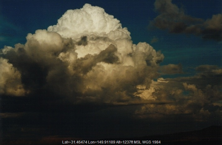 20000401jd04_cumulonimbus_calvus_e_of_premer_nsw