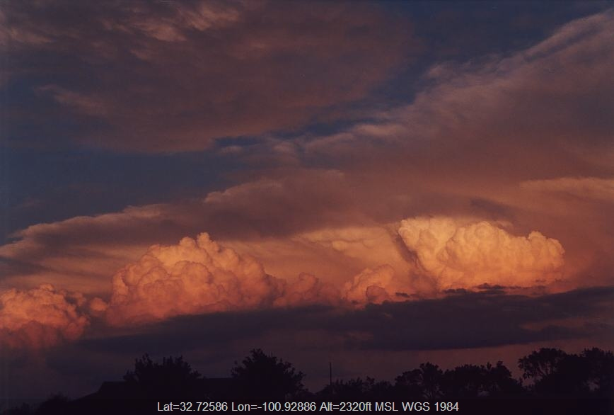 20030607jd02_cumulonimbus_incus_near_snyder_texas_usa
