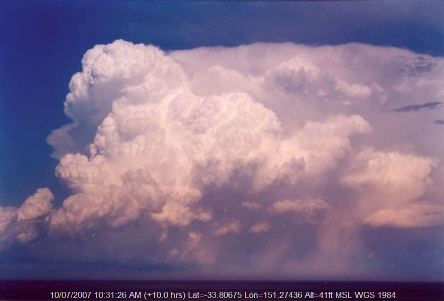 20040130jd03_cumulonimbus_incus_near_manly_nsw