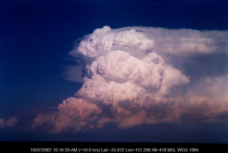 20040130jd09_cumulonimbus_incus_near_manly_nsw