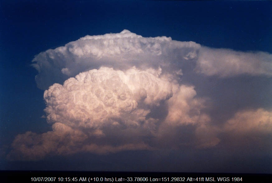 20040130jd10_cumulonimbus_incus_near_manly_nsw