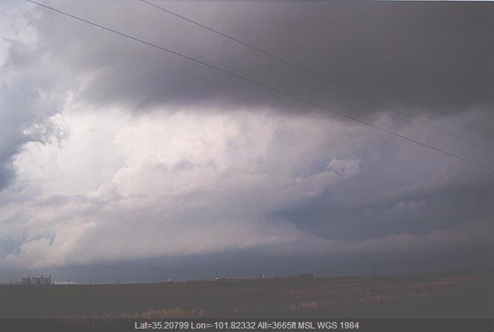 20010529jd13_thunderstorm_inflow_band_amarillo_texas_usa