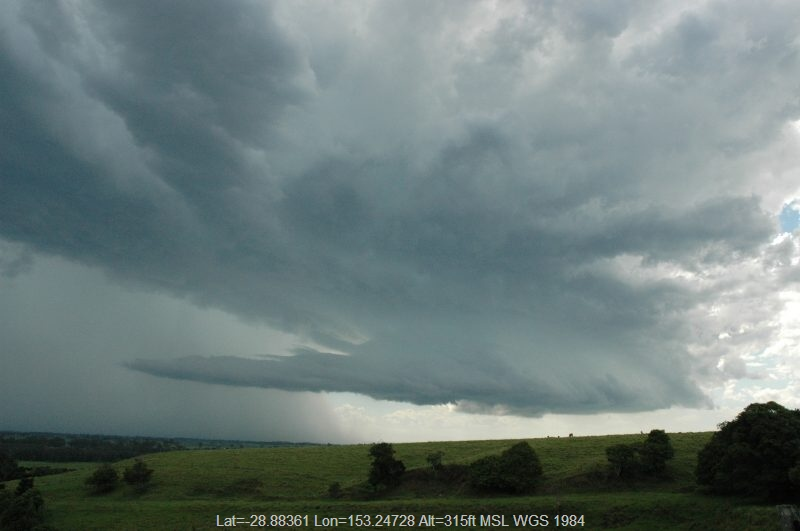 20041213mb15_thunderstorm_inflow_band_parrots_nest_nsw