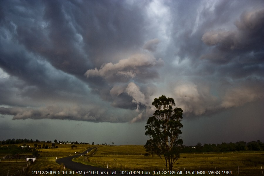 20091221jd116_thunderstorm_inflow_band_glendon_brook_nsw