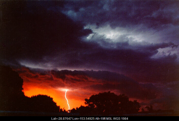 19901223mb09_lightning_bolts_ballina_nsw