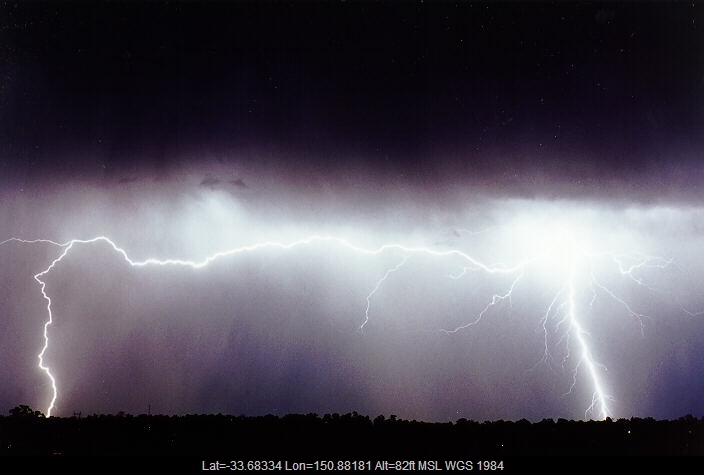 19970424mb09_lightning_bolts_schofields_nsw