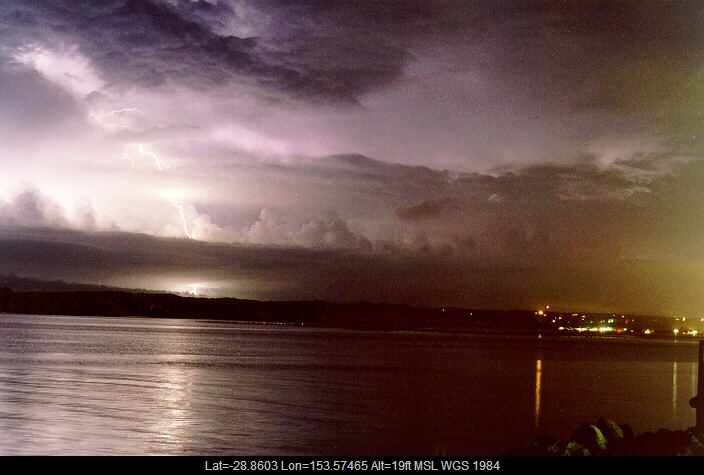 19971226mb08_lightning_bolts_ballina_nsw