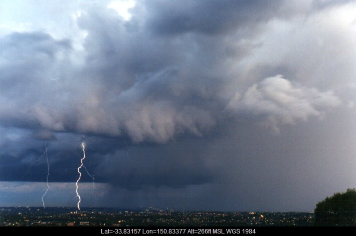 19981113mb32_lightning_bolts_horsley_park_nsw