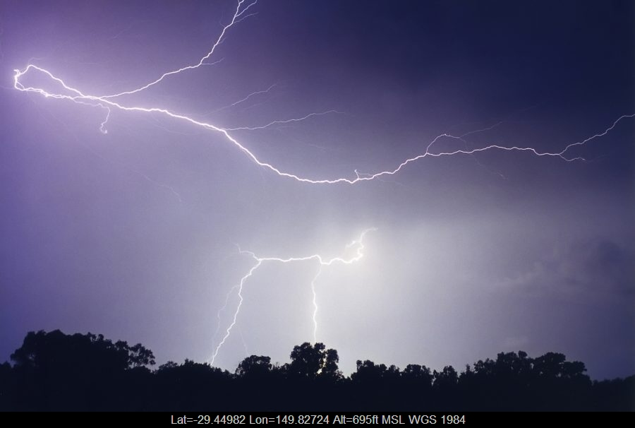 19990130mb35_lightning_bolts_moree_nsw