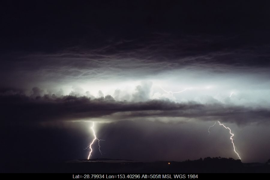 20001027mb04_lightning_bolts_mcleans_ridges_nsw