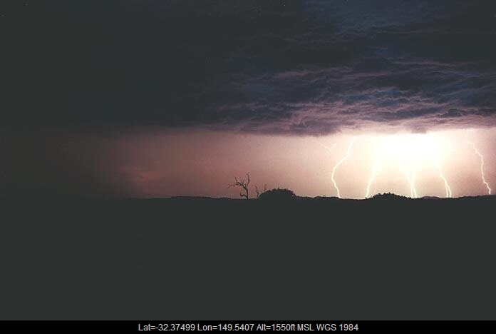 20010108jd05_lightning_bolts_gulgong_nsw