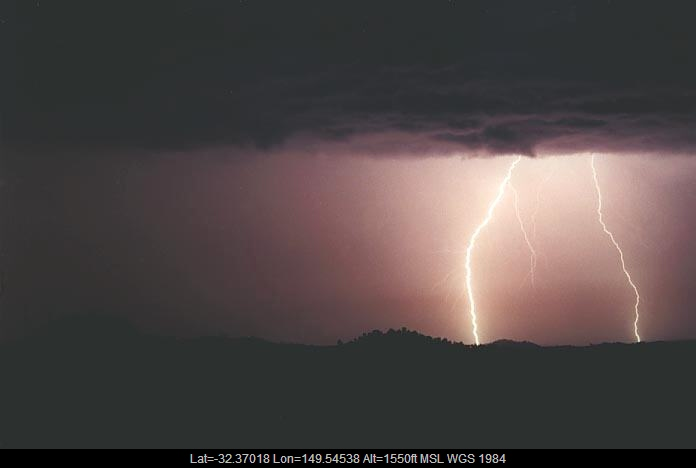 20010108jd08_lightning_bolts_gulgong_nsw