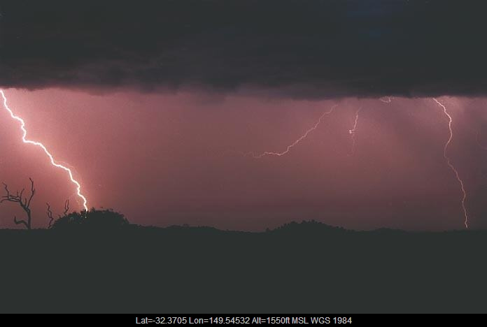 20010108jd09_lightning_bolts_gulgong_nsw