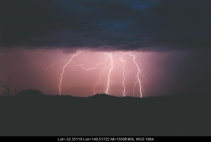 20010108jd11_lightning_bolts_gulgong_nsw