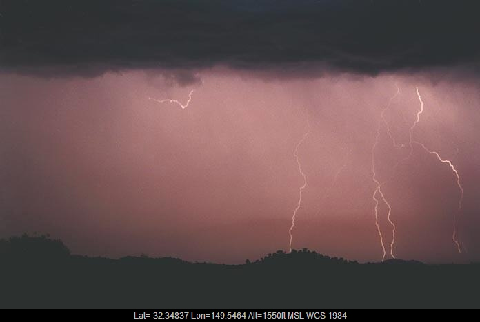 20010108jd15_lightning_bolts_gulgong_nsw