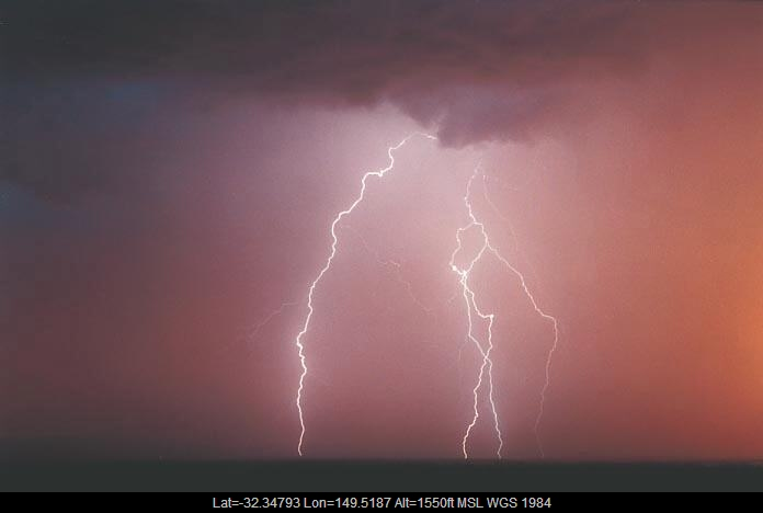 20010108jd27_lightning_bolts_gulgong_nsw