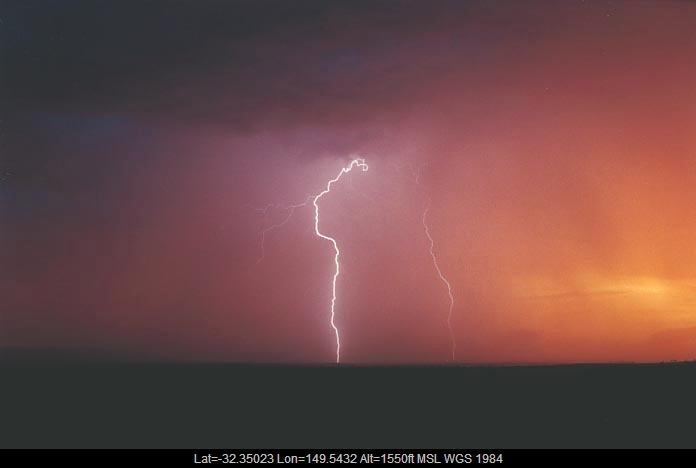 20010108jd28_lightning_bolts_gulgong_nsw