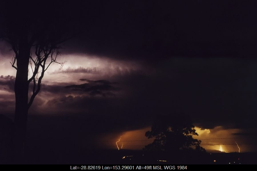 20011118mb11_lightning_bolts_lismore_nsw