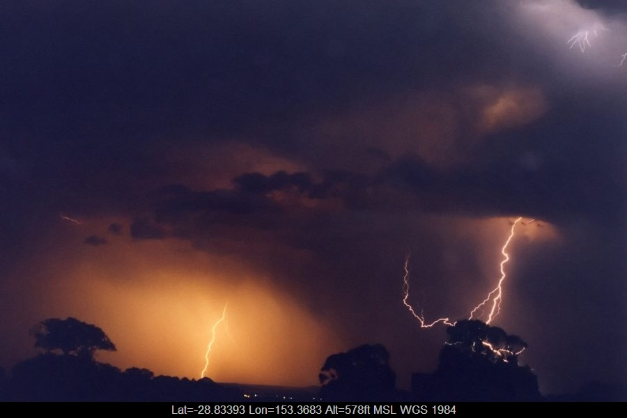 20021110mb10_lightning_bolts_tregeagle_nsw