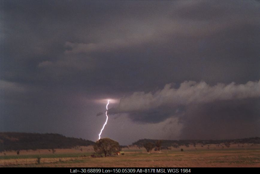 20021223jd14_lightning_bolts_n_of_boggabri_nsw
