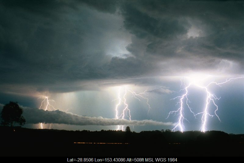 20030108mb74_lightning_bolts_alstonville_nsw