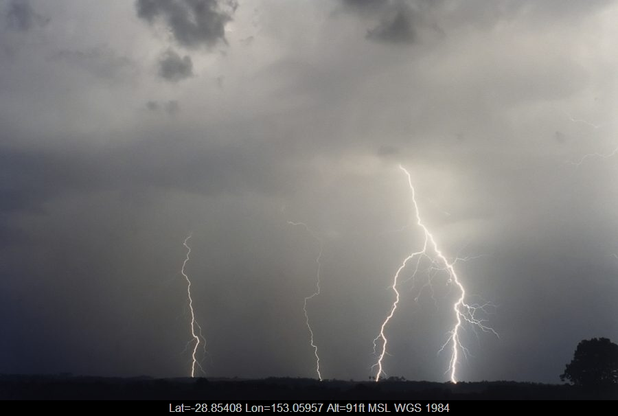 20031025mb29_lightning_bolts_casino_nsw