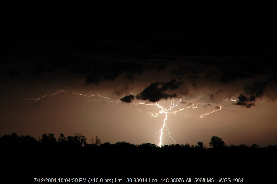 20041207mb52_lightning_bolts_near_coonamble_nsw