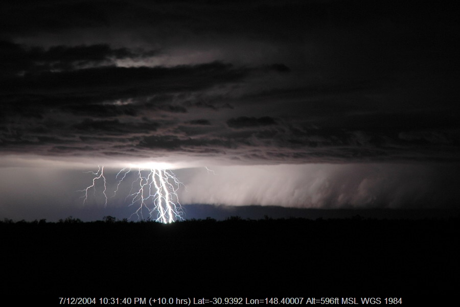 20041207mb60_lightning_bolts_near_coonamble_nsw