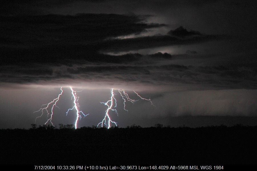 20041207mb63_lightning_bolts_near_coonamble_nsw