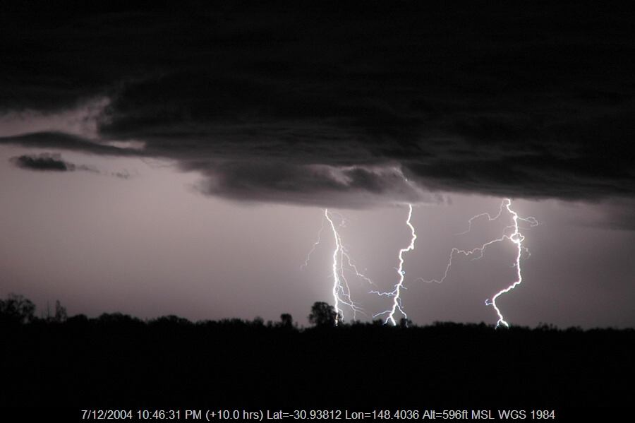 20041207mb71_lightning_bolts_near_coonamble_nsw