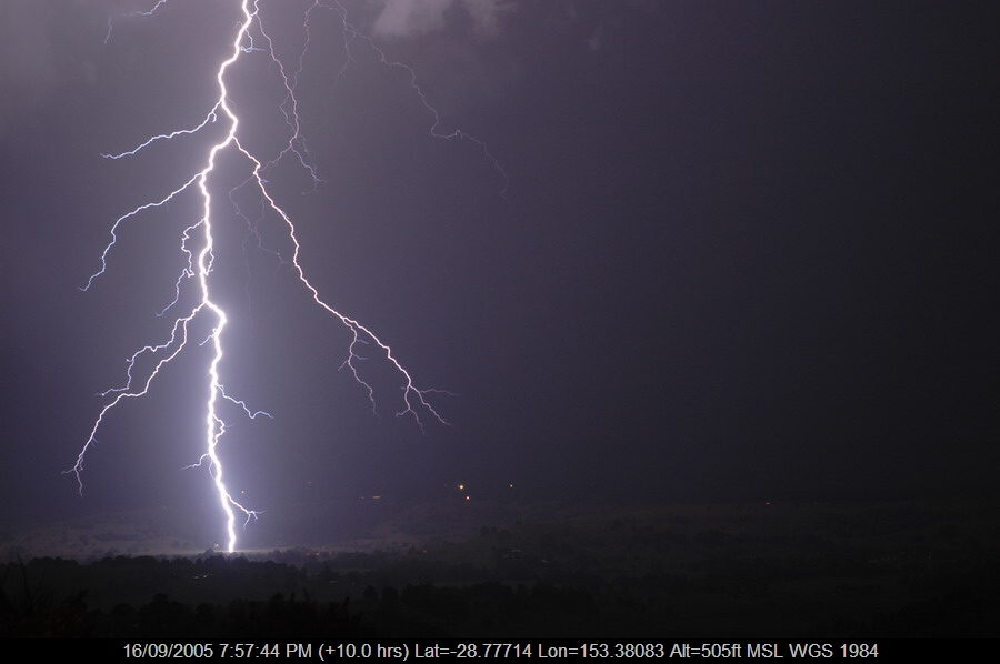20050916mb04_lightning_bolts_mcleans_ridges_nsw