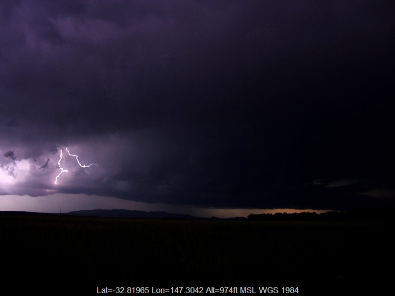 20051126jd14_lightning_bolts_near_prema_nsw