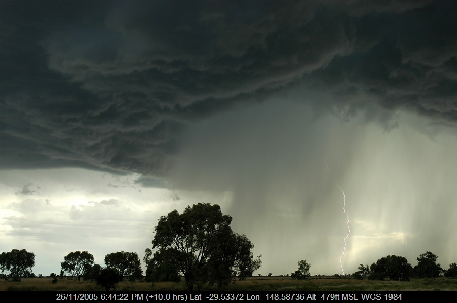 20051126mb59_lightning_bolts_collarenabri_nsw