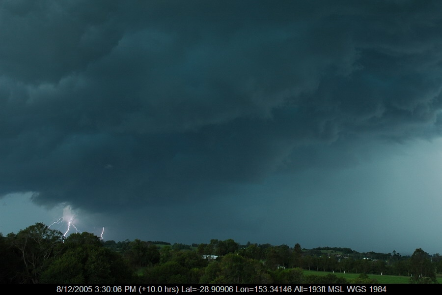 20051208mb11_lightning_bolts_wyrallah_nsw